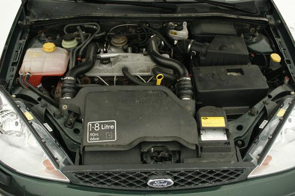 Ford focus raitisilmasuodatin sijainti